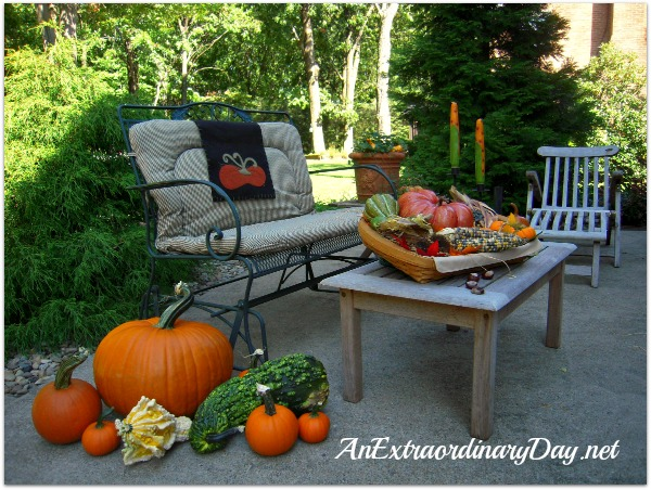 AnExtraordinaryDay.net | Outdoor Fall Decor & Linky | Pumpkin Party on the Patio