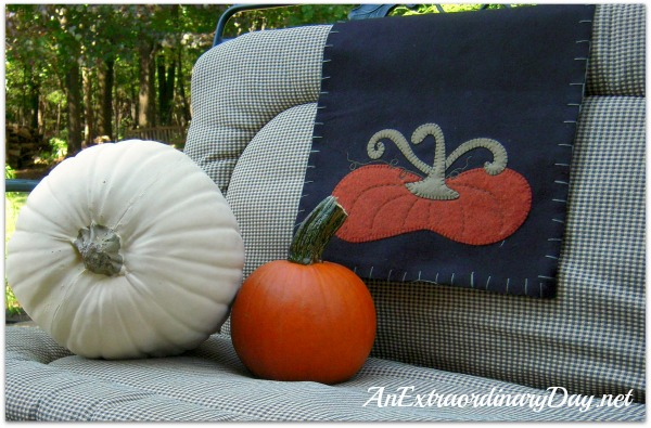 AnExtraordinaryDay.net | Pumpkin Party on the Patio | Fall Outdoor Decor