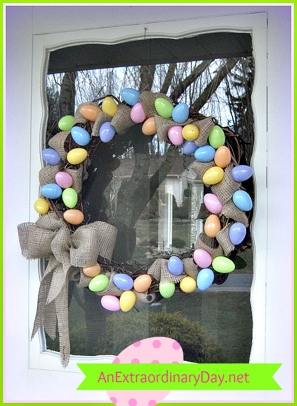 Quick & Easy Tutorial :: Grapevine & Burlap Easter Egg Wreath :: AnExtraordinaryDay.net