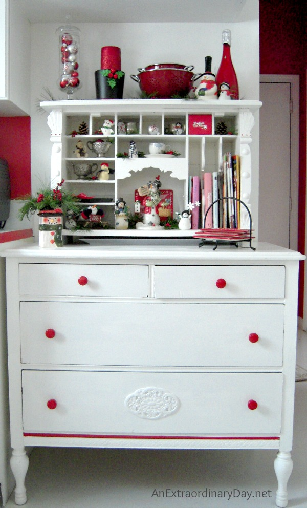 Christmas Kitchen Corner in Red and White :: AnExtraordinaryDay.net