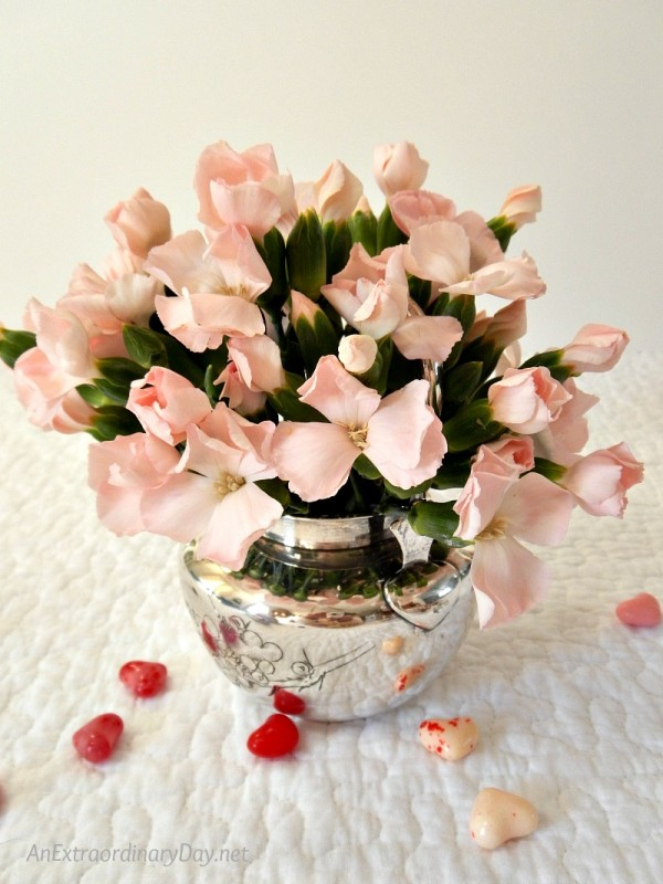 Powder pink miniature carnations - Dainty Envelope Fruit Tarts - AnExtraordinaryDay.net