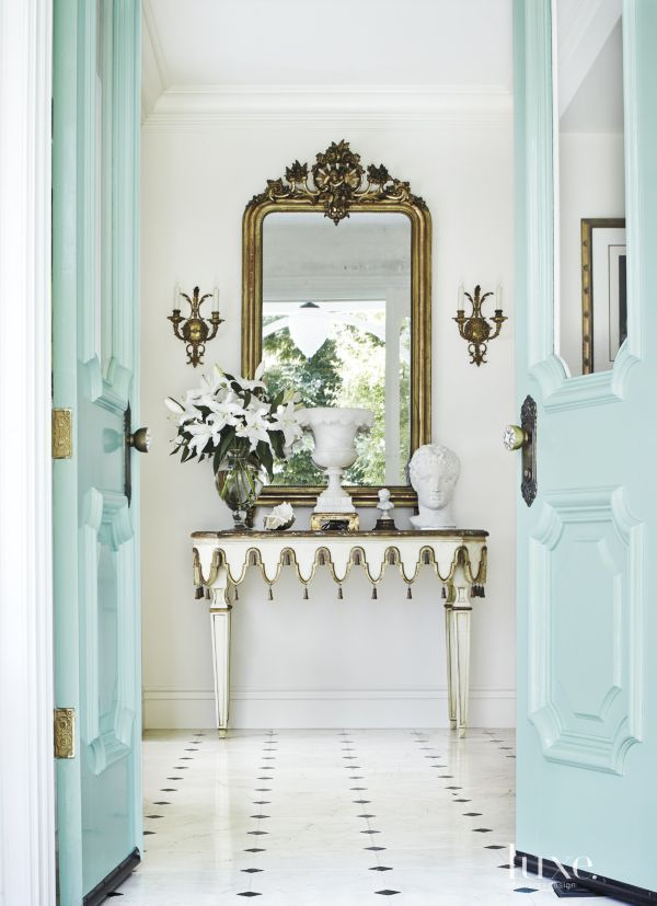 A luxe decor entry way and the answer to.... Why does my favorite color stress me out?
