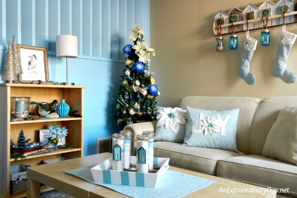 Coastal Christmas Corner - How to Make Your Christmas Tree Elegant with Fresh Flowers