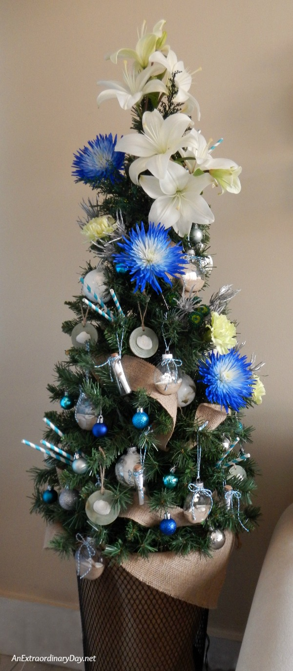 How to Make Your Christmas Tree Elegant with Fresh Flowers - a Tutorial