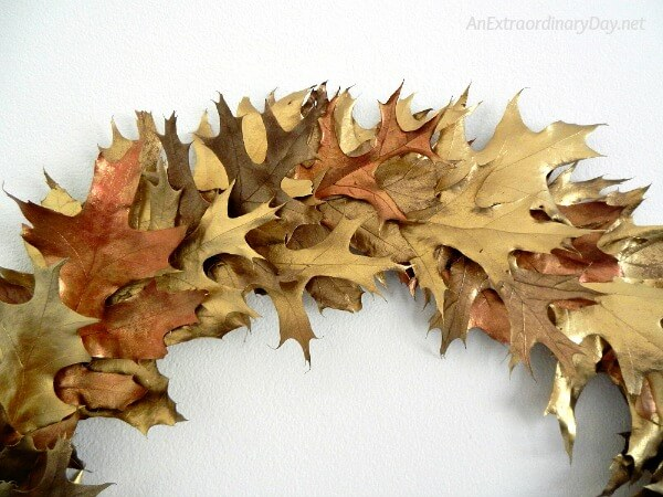 Up close view of all the color and texture in this gold oak leaf Christmas wreath - AnExtraordinaryDay.net
