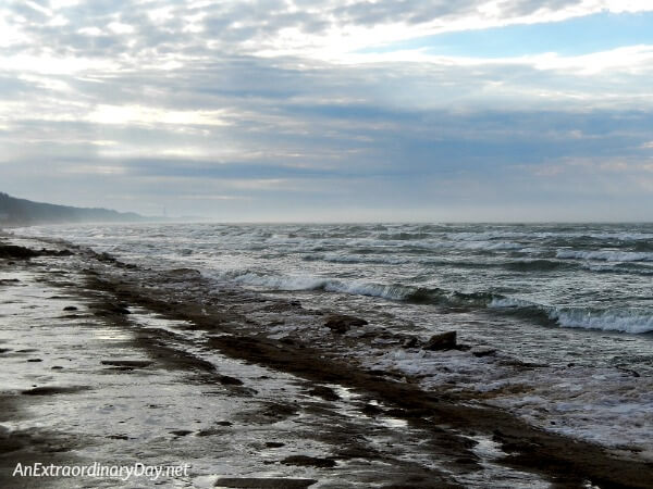 Inspiration for starting the New Year well - a mild winter along the Lake Michigan coast - AnExtraordinaryDay.net