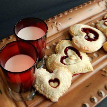 Sweet Heart Hand Pies for Valentine's Day Treats to Make