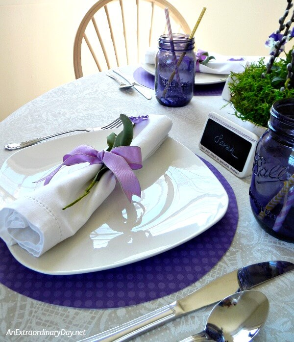 Simple Inexpensive Tablescape for Celebrating Mom | An Extraordinary Day
