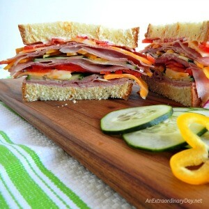 I LOVE this simple summer stacked sandwich... it's SO good! - AnExtraordinaryDay.net