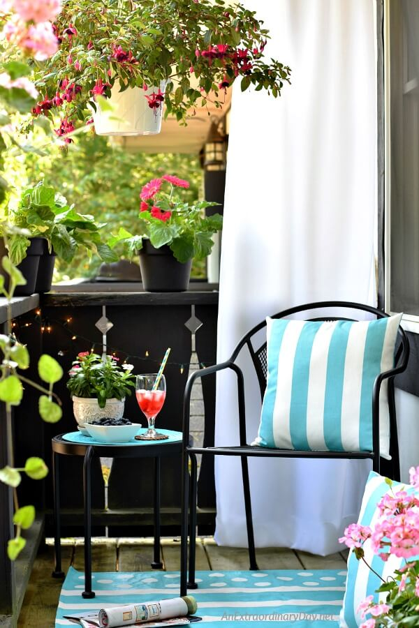 Relax on a Beautiful Balcony Garden