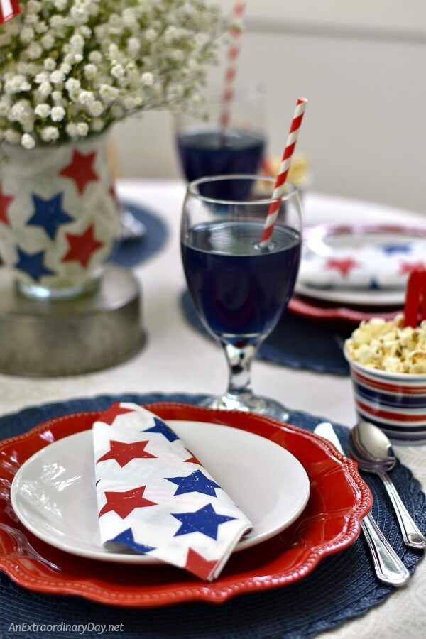 Simple EASY and Elegant and FUN 4th of July Tablescape