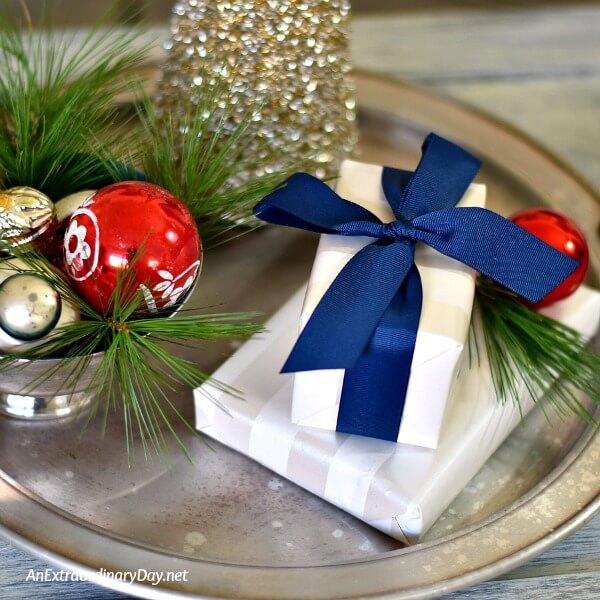 How to Decorate a Small Space with Christmas Charm - Christmas Tray Vignette