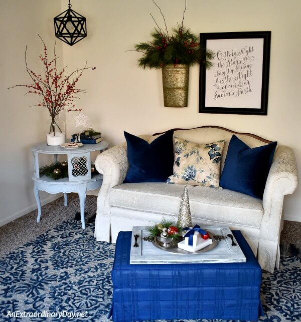 Small Space Christmas Decorating on a BUDGET for Living Room Apartments